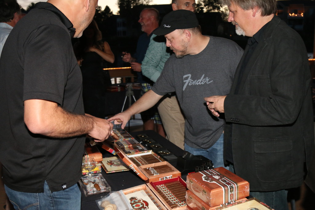 Ashton Cigar table