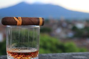 Flor de Caña rum & Mombacho cigar pairing