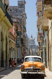 Cuba_LaHavana_Street_(www.pixinn.net)